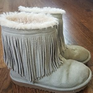 Girls Size 3 Silver Ugg Boots